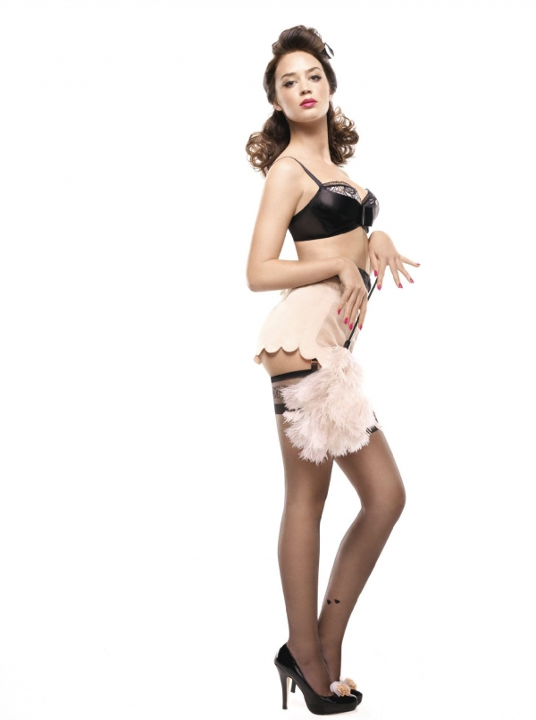 Emily Blunt maid
