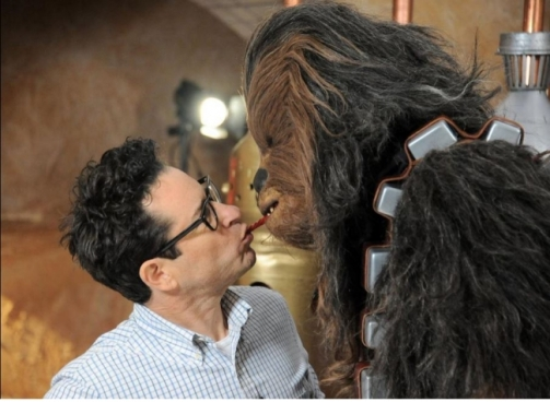 film-director-j-j-abrams-doing-the-twizzler-challenge-with-star-wars-the-force-awakens-character-chewbacca