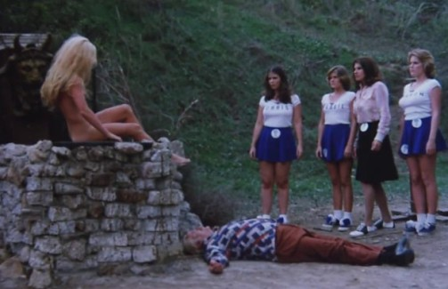 satans-cheerleaders-scene